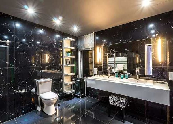 Bathroom with lighting
